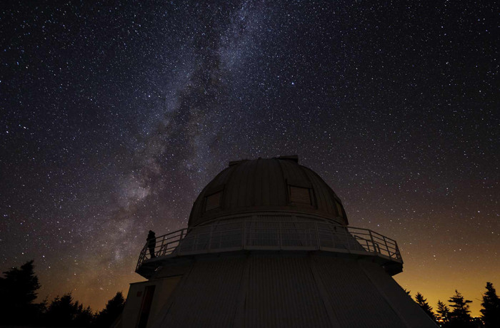 1.6-meter telescope at Mont-Mégantic International Dark Sky Reserve (Photo by Guillaume Poullin)
