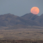 "Don't Miss Rare Total Lunar Eclipse of Harvest ""Supermoon"""