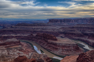 Stunning views of Canyonlands National Park and an iconic gooseneck bend in the Colorado River.