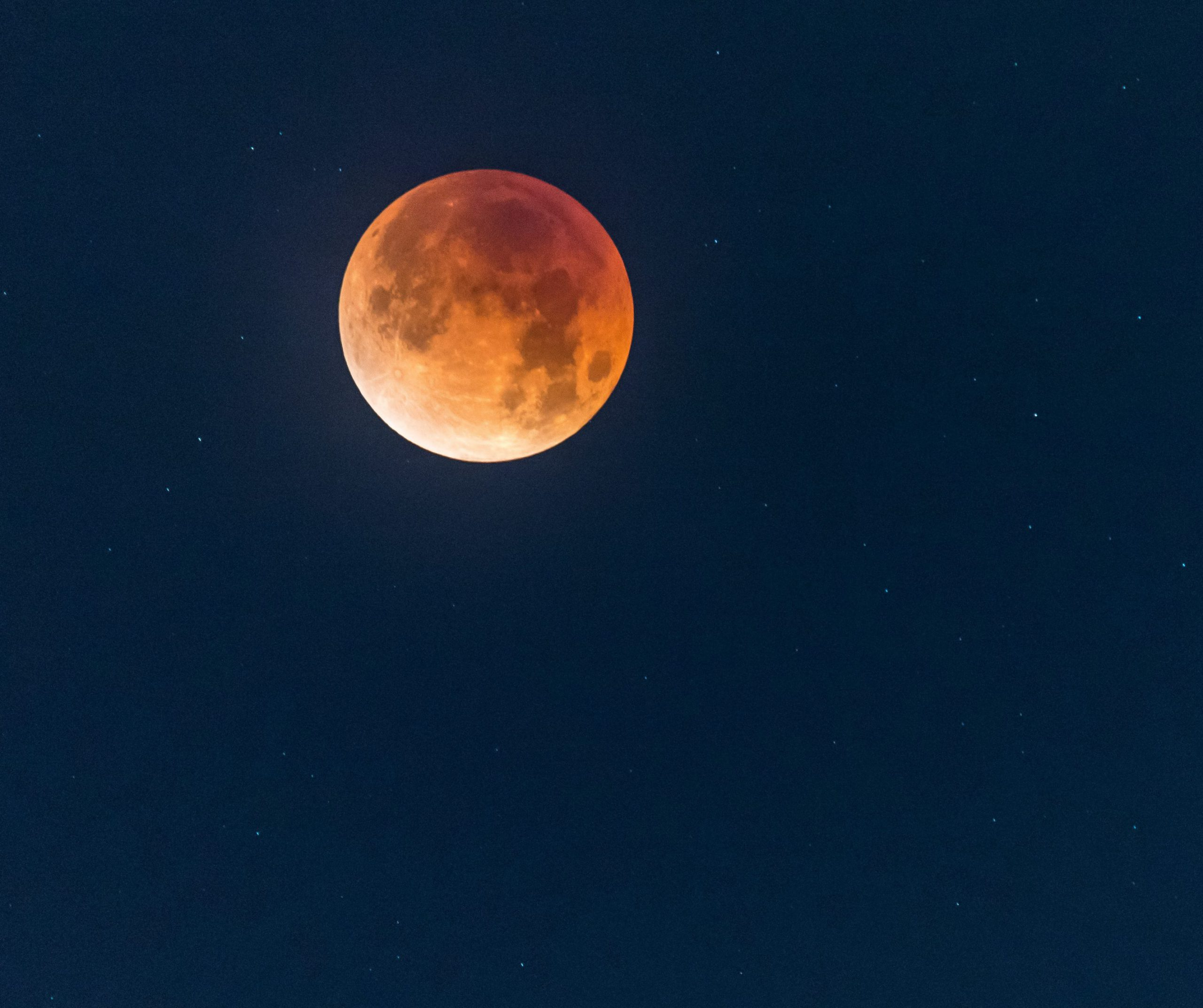 A total lunar eclipse similar to what can be observed on May 26.